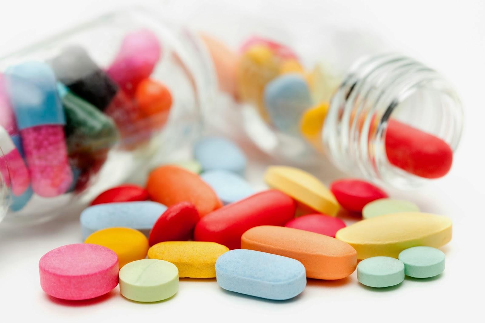 trẻ dùng thuốc kháng sinh vô tội vạ